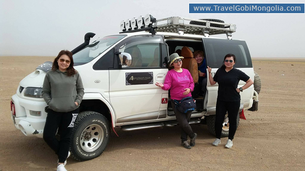 our customers are in front of our travel vehicle delica